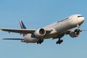 Boeing 777-300ER - RP-C7775 operated by Philippine Airlines