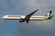 Boeing 787-10 Dreamliner - 9V-SCB operated by Singapore Airlines