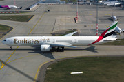 Boeing 777-300ER - A6-ENQ operated by Emirates