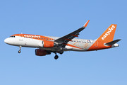 Airbus A320-214 - OE-INQ operated by easyJet Europe