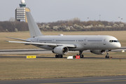 Boeing C-32B - 00-9001 operated by US Air Force (USAF)