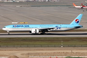 Boeing 777-300ER - HL8008 operated by Korean Air