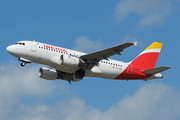 Airbus A319-111 - EC-LEI operated by Iberia