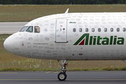 Airbus A320-211 - EI-DTJ operated by Alitalia