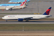 Boeing 777-200ER - N867DA operated by Delta Air Lines