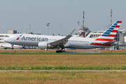 Boeing 767-300ER - N390AA operated by American Airlines