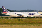 Embraer 170-200STD - SP-LIA operated by LOT Polish Airlines