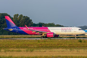 Airbus A321-271NX - HA-LVB operated by Wizz Air