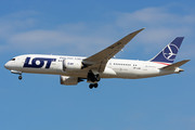 Boeing 787-8 Dreamliner - SP-LRD operated by LOT Polish Airlines