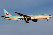 Boeing 777-200ER - HL7714 operated by Korean Air