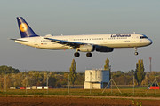 Airbus A321-131 - D-AIRH operated by Lufthansa