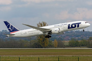 Boeing 787-9 Dreamliner - SP-LSF operated by LOT Polish Airlines