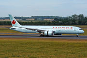 Boeing 787-9 Dreamliner - C-FRSA operated by Air Canada
