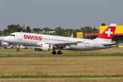 Airbus A320-214 - HB-JLR operated by Swiss International Air Lines