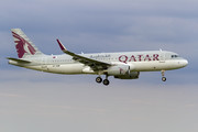 Airbus A320-232 - A7-AHW operated by Qatar Airways