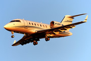 Bombardier Challenger 605 (CL-600-2B16) - M-ASHI operated by Private operator