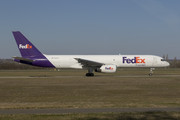 Boeing 757-200SF - N913FD operated by FedEx Express
