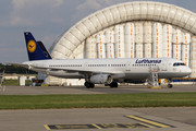 Airbus A321-131 - D-AIRE operated by Lufthansa