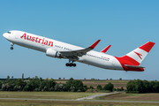 Boeing 767-300ER - OE-LAW operated by Austrian Airlines
