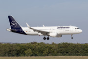 Airbus A320-214 - D-AIWK operated by Lufthansa