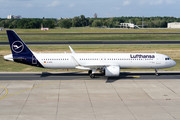 Airbus A321-271NX - D-AIEA operated by Lufthansa
