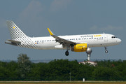 Airbus A320-232 - EC-MES operated by Vueling Airlines