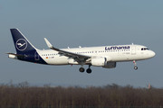 Airbus A320-214 - D-AIWF operated by Lufthansa