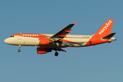 Airbus A320-214 - HB-JXA operated by easyJet Switzerland