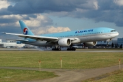Boeing 777-200ER - HL7721 operated by Korean Air