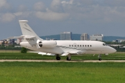 Dassault Falcon 2000EX - G-LATE operated by Hangar 8