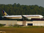 Boeing 777-300ER - 9V-SWO operated by Singapore Airlines