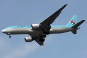 Boeing 777-200ER - HL7575 operated by Korean Air