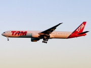 Boeing 777-300ER - PT-MUC operated by TAM Linhas Aéreas
