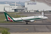 Embraer 170-200LR - EI-RDB operated by Alitalia CityLiner