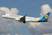 Embraer E190LR (ERJ-190-100LR) - UR-EMC operated by Ukraine International Airlines