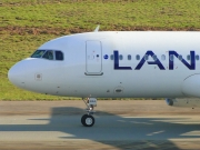Airbus A320-232 - CC-BAG operated by LAN