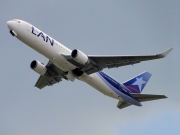 Boeing 767-300ER - CC-CXL operated by LAN