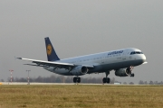 Airbus A321-231 - D-AISZ operated by Lufthansa