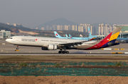 Airbus A330-323X - HL8282 operated by Asiana Airlines