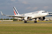 Airbus A320-214 - F-HEPG operated by Air France