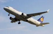 Airbus A320-214 - D-AIZS operated by Lufthansa