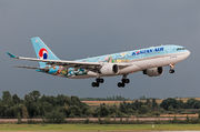 Airbus A330-223 - HL8211 operated by Korean Air