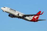 Boeing 737-800 - VH-VYL operated by Qantas