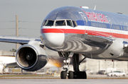 Boeing 757-200 - N195AN operated by American Airlines