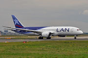Boeing 787-8 Dreamliner - CC-BBB operated by LAN