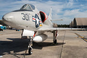 Douglas A-4A Skyhawk - 137813 operated by US Navy (USN)