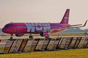 Airbus A321-211 - TF-MOM operated by WOW air