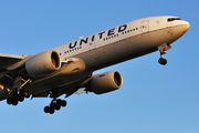 Boeing 777-200ER - N222UA operated by United Airlines