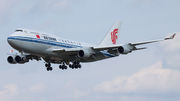 Air China Boeing 747-400 - B-2472