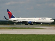 Boeing 767-300ER - N192DN operated by Delta Air Lines